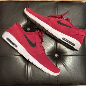 NIKE STEFAN JANOSKI MAX L SUEDE ATHLETIC SHOES